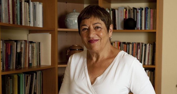 Toi Derricotte in library